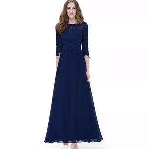 NWT Beautiful long  formal dress navy blue